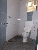 12DCU00275: Bathroom 1