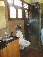 14M3U00063: bathrooms 4