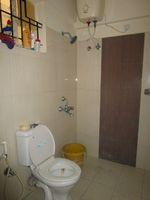 13M5U00318: Bathroom 2