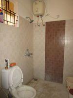 13M5U00318: Bathroom 1