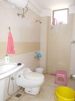 13M3U00335: Bathroom 2