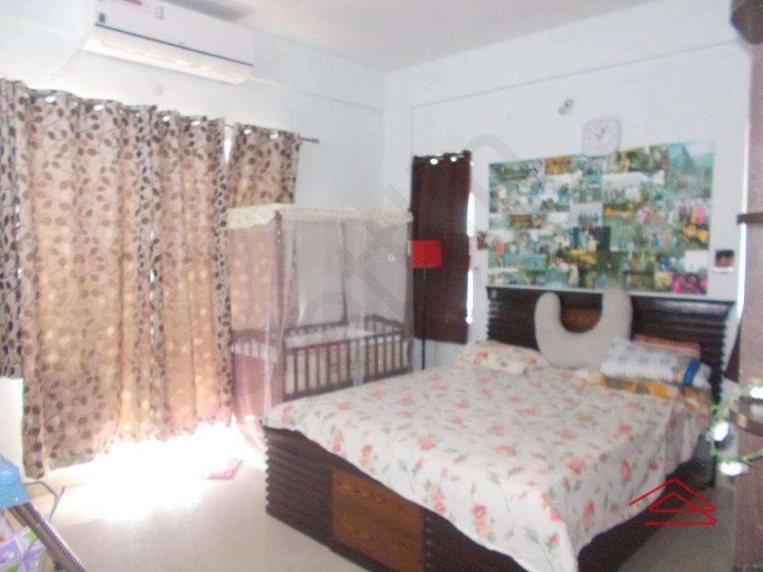 13M3U00335: Bedroom 1