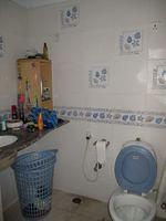 13F2U00352: Bathroom 1