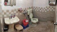 15M3U00229: Bathroom 2