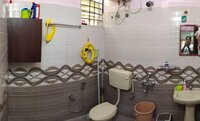 15M3U00229: Bathroom 1