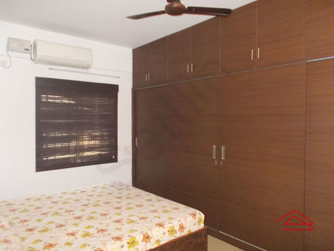 12OAU00151: Bedroom 1