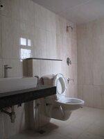 15J7U00472: Bathroom 1