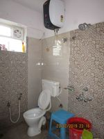 13F2U00306: Bathroom 1