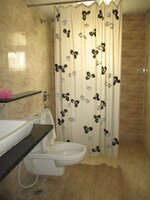 14DCU00475: Bathroom 2