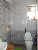 13J6U00018: Bathroom 2
