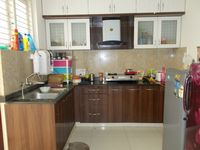 13J6U00018: Kitchen 1