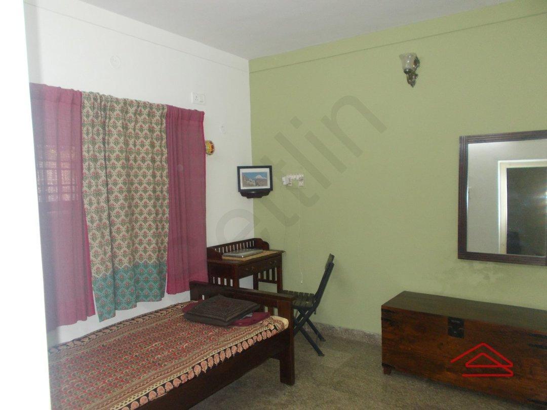 14J1U00419: Bedroom 1