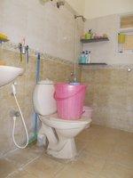 13A4U00219: Bathroom 3