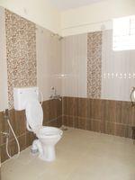 13M5U00410: Bathroom 2