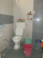 13M5U00014: Bathroom 1