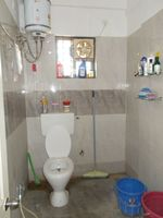 13M5U00014: Bathroom 2