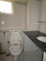 15J1U00135: Bathroom 1