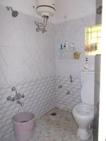 12J1U00053: Bathroom 1