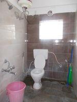 12J1U00053: Bathroom 2