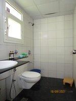 15S9U00454: Bathroom 2