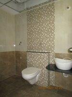 15J7U00142: Bathroom 3