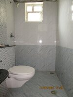 15J7U00142: Bathroom 2