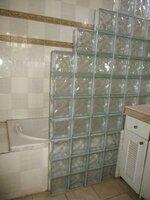 15F2U00037: bathroom 1