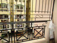10J7U00261: Balcony 1