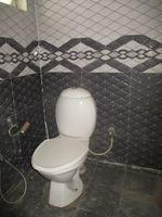 13M3U00442: Bathroom 1