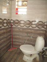 13M3U00442: Bathroom 2