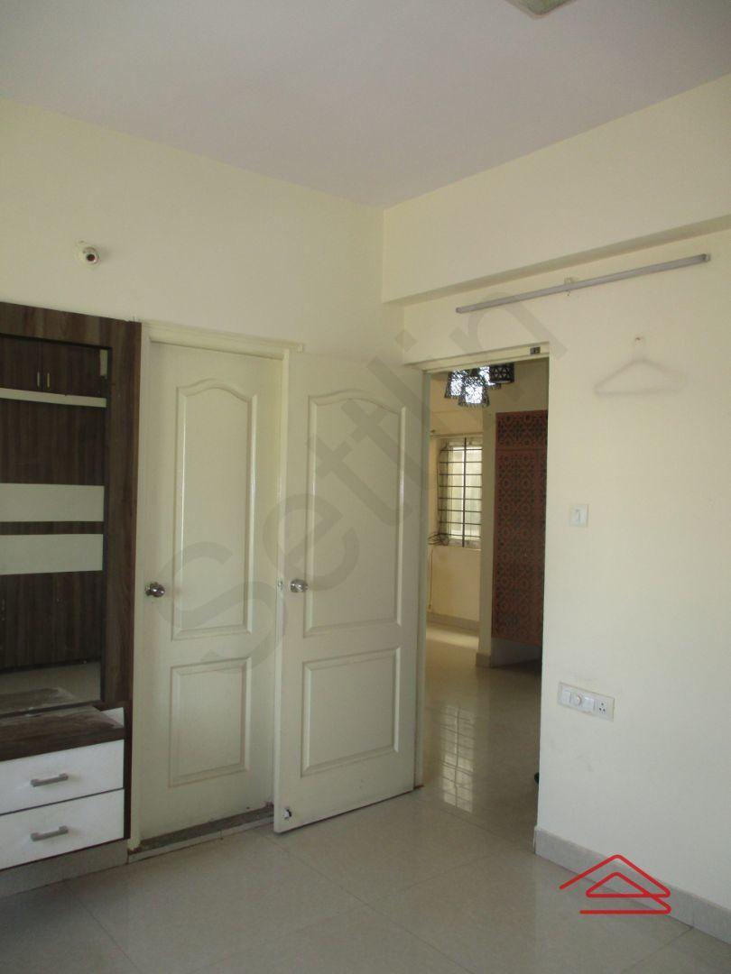 13M3U00442: Bedroom 1