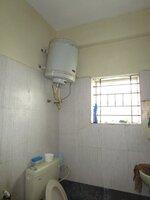 Sub Unit 15F2U00370: bathrooms 1