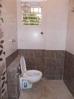 11NBU00096: Bathroom 1