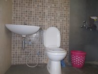 13OAU00225: Bathroom 2