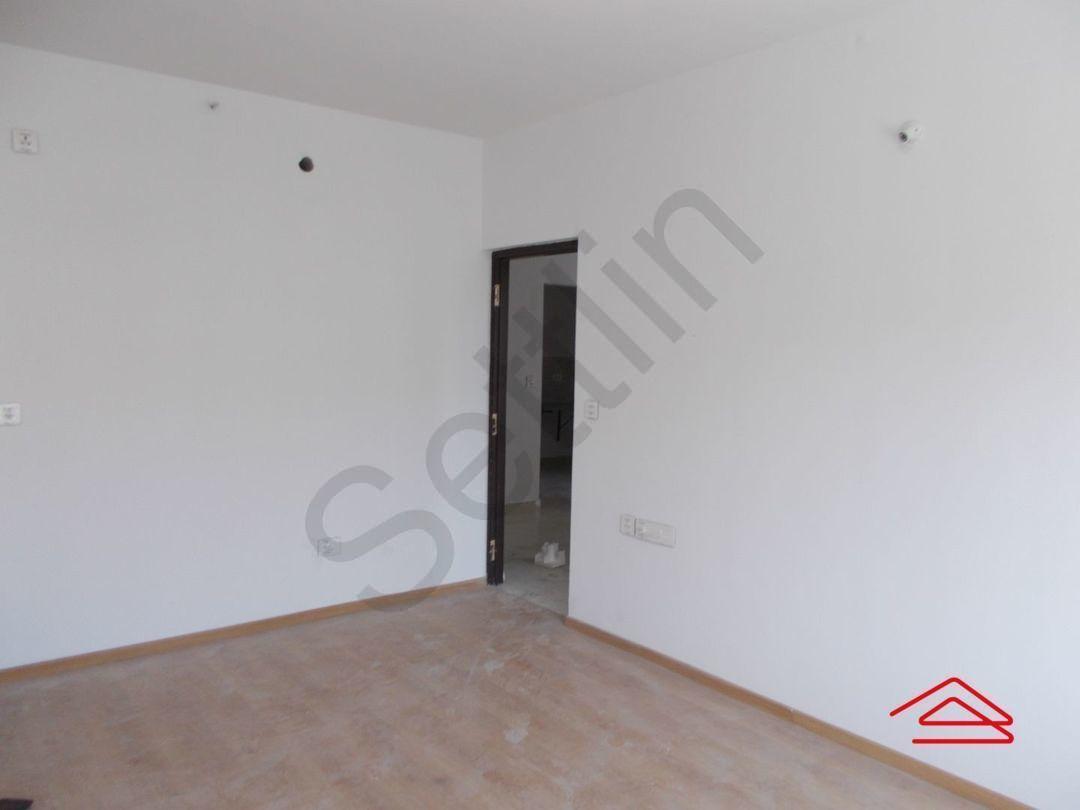 13J1U00276: Bedroom 1