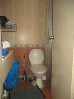 11A8U00139: Bathroom 3
