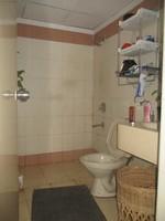 11A8U00139: Bathroom 1