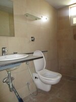14J1U00041: Bathroom 1