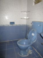 13M5U00139: Bathroom 1