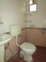13M5U00139: Bathroom 2