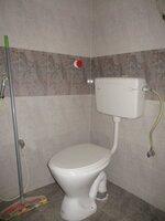 15S9U00204: Bathroom 2