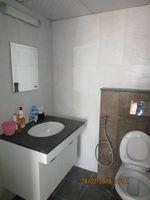 13F2U00428: Bathroom 1