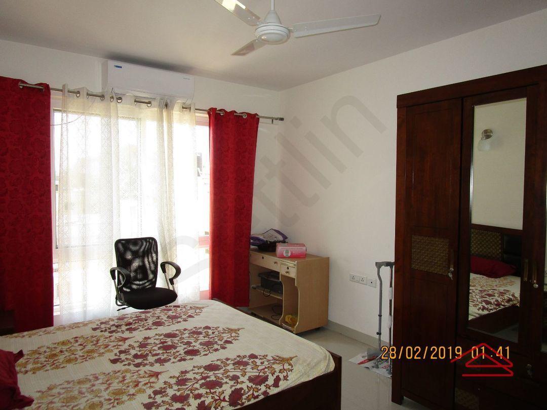 13F2U00428: Bedroom 1