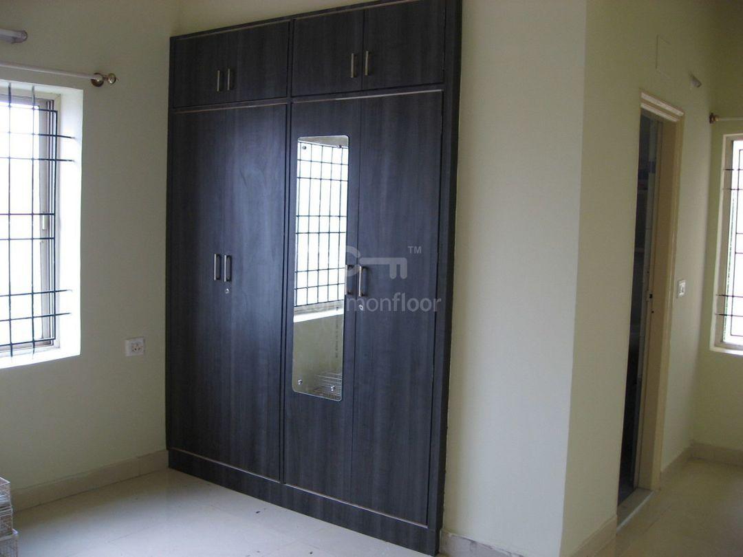 10M3U00946: Bedroom 1