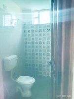 13S9U00390: Bathroom 1
