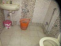 13DCU00453: Bathroom 2