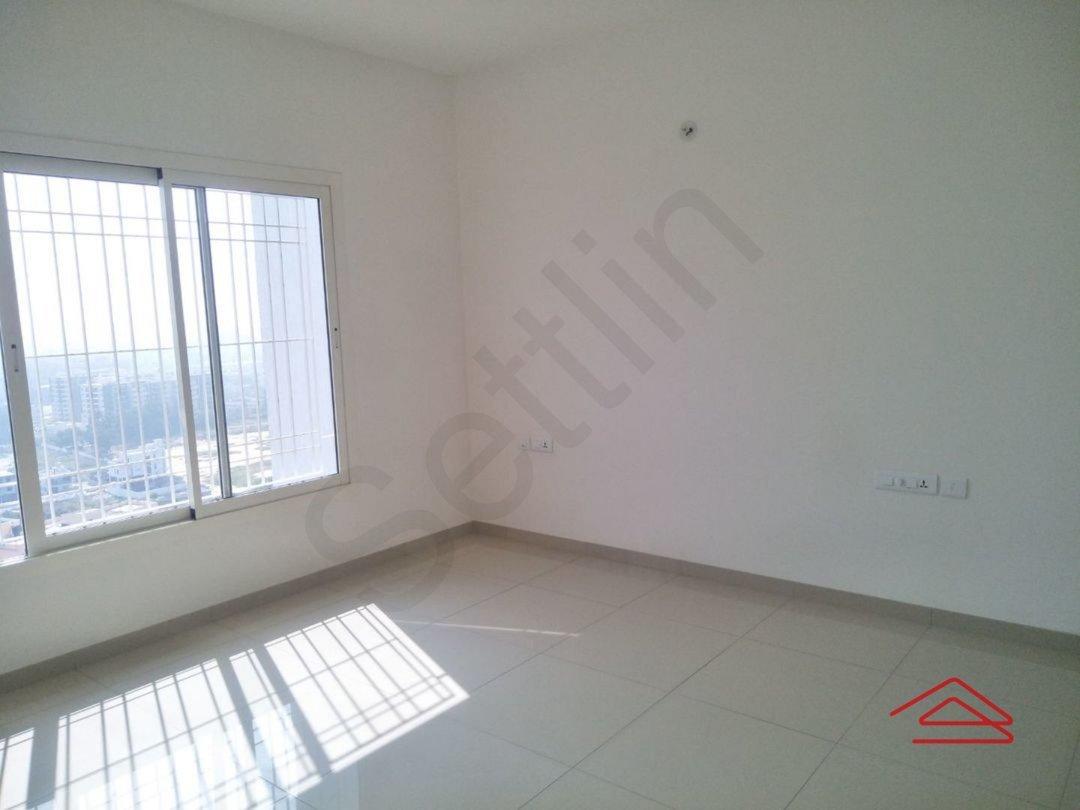 13J7U00350: Bedroom 1