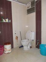 13J1U00074: Bathroom 1