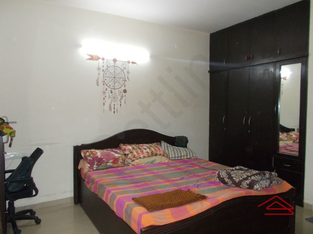 13J7U00081: Bedroom 1