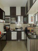 13J7U00081: Kitchen 1